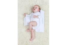 Poduszka niemowlęca - Ogranicznik trójkątny marki Womar